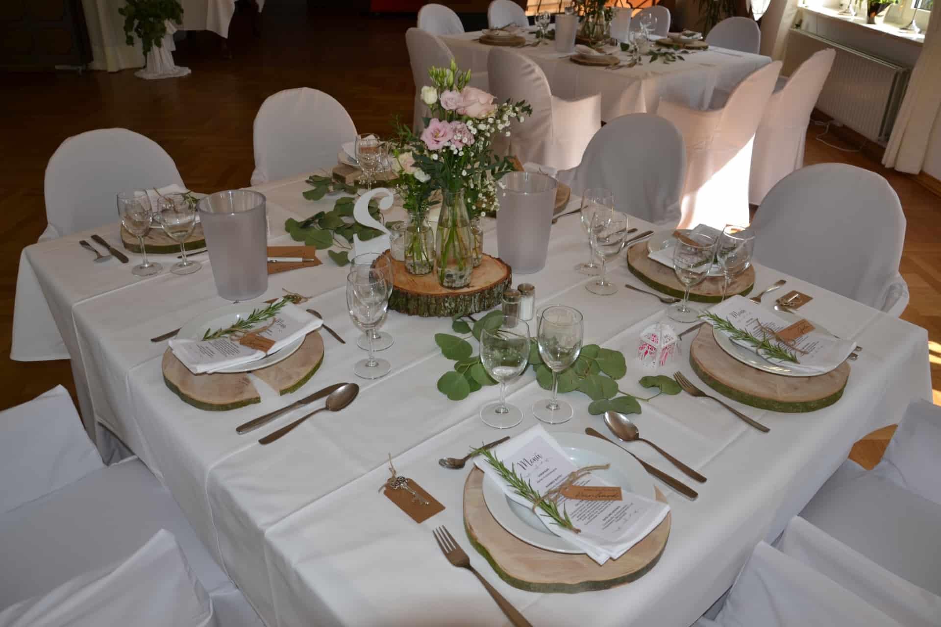 Festlich gedeckte Hochzeitstafel - Hotel Restaurant Hof Barrl Schneverdingen
